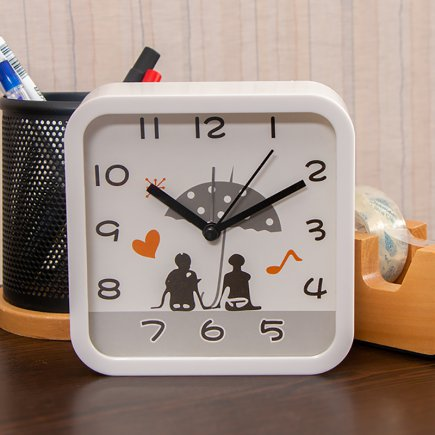 ساعت زنگ دار مربع عشاق کد 5304